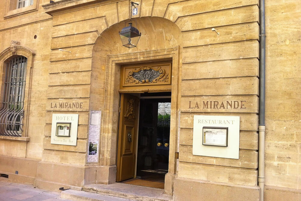 Rares Terroirs and The Grand Pope Collection listed at the Mirande Hotel in Avignon.